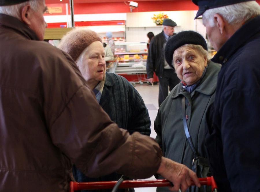 Komornicy zabierają emerytom pieniądze