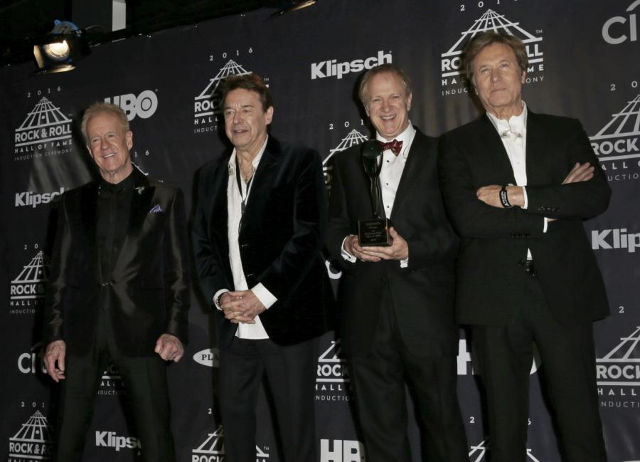 Muzycy Chicago: James Pankow, Walter Parazaider, Lee Loughnane i Robert Lamm podczas ceremonii wprowadzenia do Rock and Roll Hall of Fame
