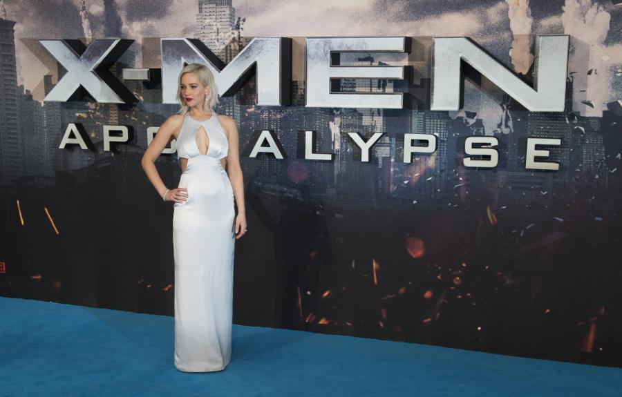 """Jennifer Lawrence na premierze filmu """"X-Men: Apocalypse"""" w Londynie"""