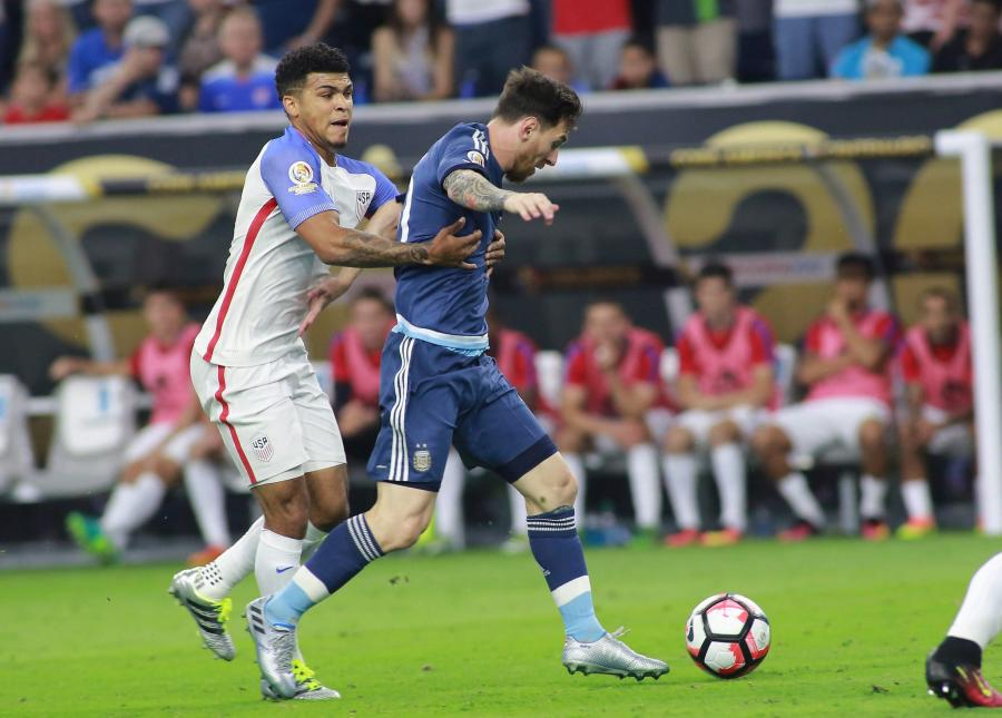 DeAndre Yedlin i Lionel Messi