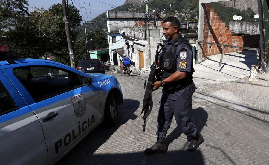 Policjant w Rio de Janeiro
