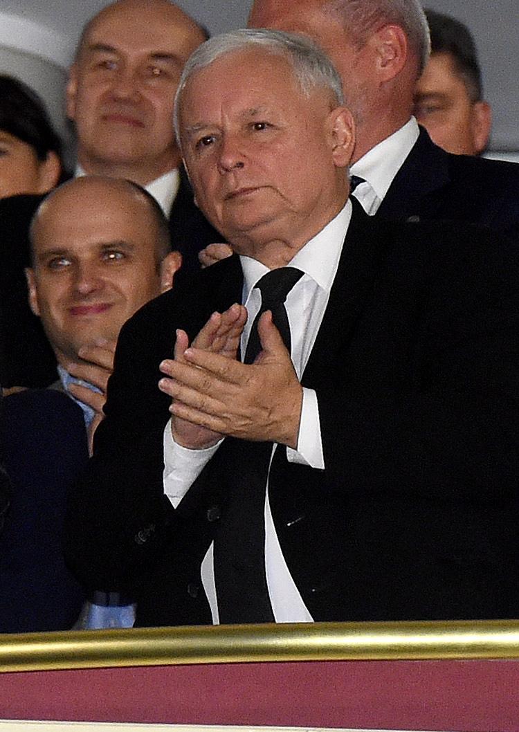 """Prezes PiS Jarosław Kaczyński podczas uroczystej premiery filmu """"Smoleńsk"""""""
