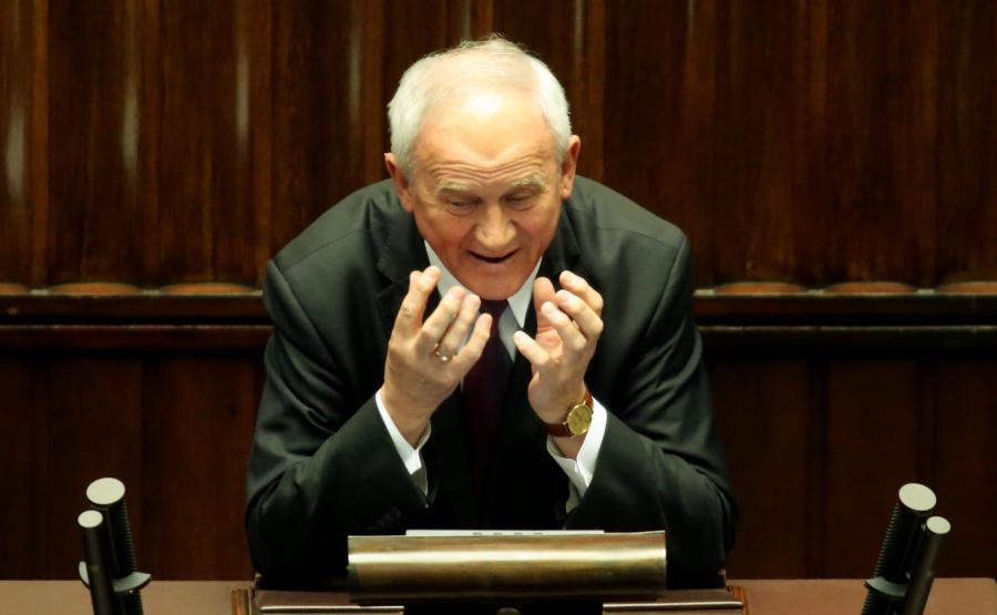 Krzysztof Tchórzewski w czasie sejmowej debaty o wiatrakach