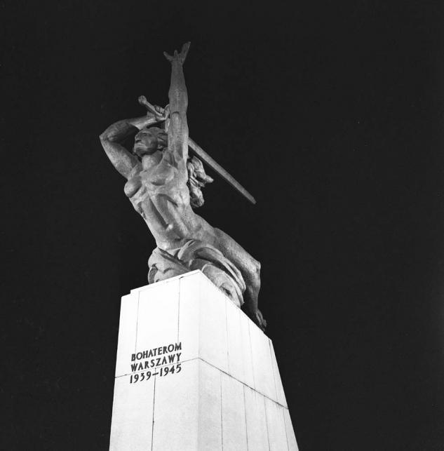 Marian Konieczny, Pomnik Bohaterów Warszawy / NAC/ Wydawnictwo BOSZ