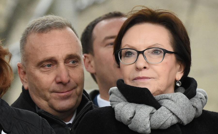 Grzegorz Schetyna i Ewa Kopacz na marszu KOD