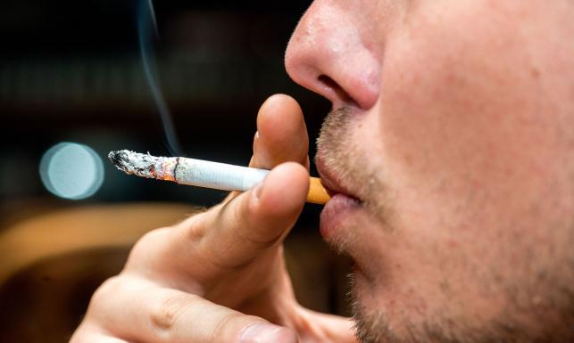 Od palenia do... raka jamy ustnej. Niepokojące objawy