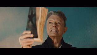 """Kadr z teledysku """"Blackstar"""" Davida Bowie"""