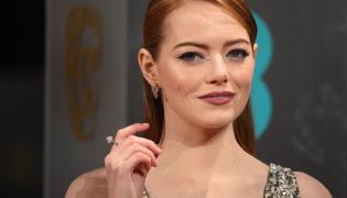 Emma Stone na gali BAFTA