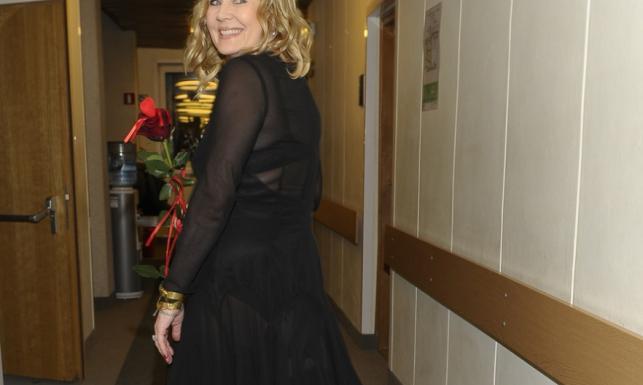 Pośladki i stanik na wierzchu. Kto pozwolił Grażynie Szapołowskiej pokazać się w tym stroju?! FOTO